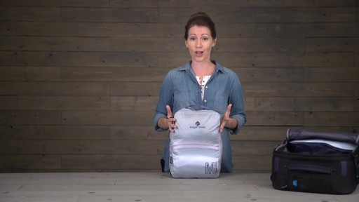 Eagle Creek Pack-It Specter Tech Clean/Dirty Cube - image 2 from the video