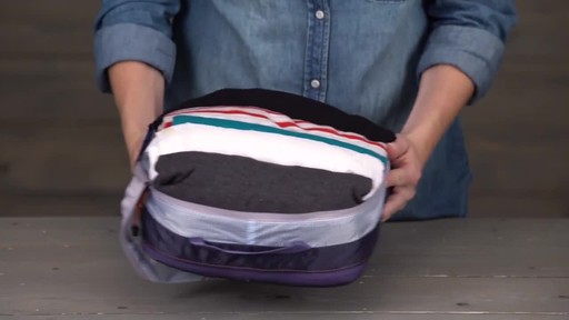 Eagle Creek Pack-It Specter Tech Clean/Dirty Cube - image 5 from the video