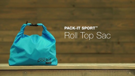 Eagle Creek Pack-It Sport Roll Top Sac - image 10 from the video