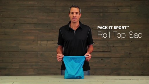Eagle Creek Pack-It Sport Roll Top Sac - image 2 from the video