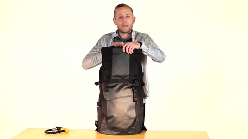 Timbuk2 Especial Tres Cycling Backpack - eBags.com - image 6 from the video