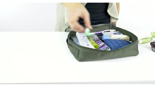 Lug Cargo 5-Piece Packing Kit - image 7 from the video