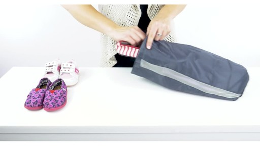 Lug Cargo 5-Piece Packing Kit - image 9 from the video