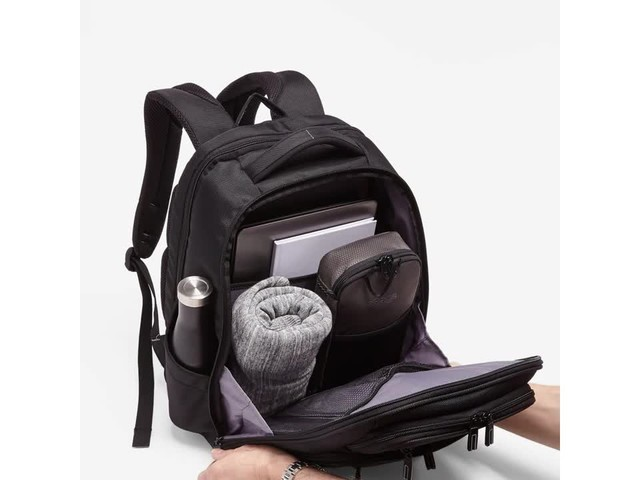 Samsonite Executive Series Laptop Backpack - image 3 from the video