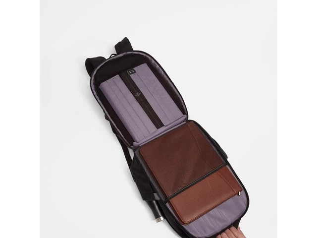 Samsonite Executive Series Laptop Backpack - image 5 from the video