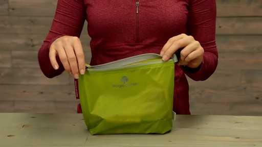 Eagle Creek Pack-It Specter Sac - image 2 from the video