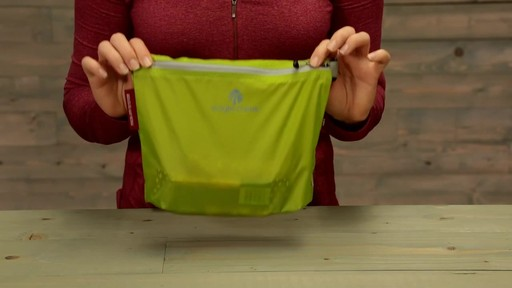 Eagle Creek Pack-It Specter Sac - image 5 from the video
