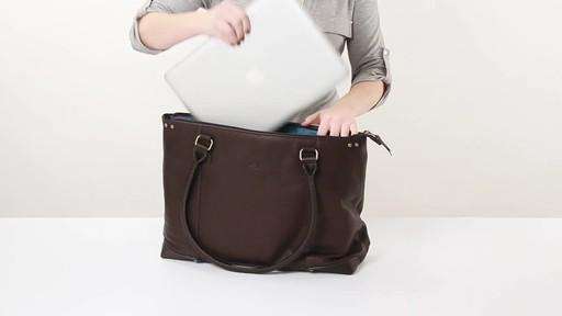 SOLO Premium Leather 15.6