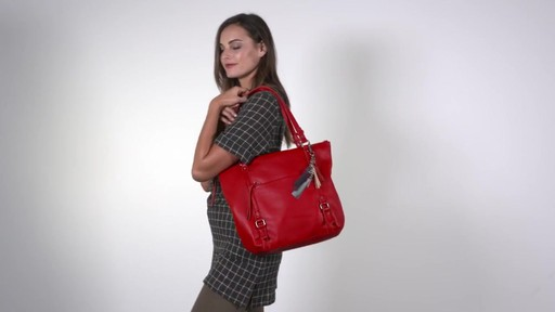 The Sak Palermo Tote - image 10 from the video