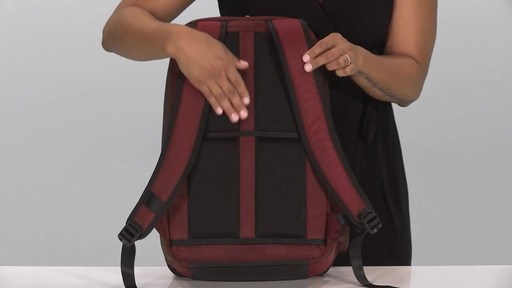Briggs & Riley Transcend VX Cargo Laptop Backpack - image 5 from the video