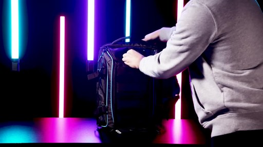 Samsonite Remagg Gridlok Backpack - image 9 from the video
