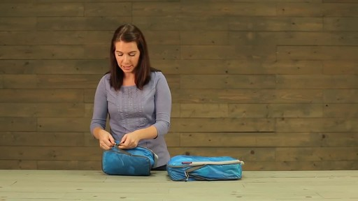 Eagle Creek Pack-It Specter Tech Compression Cube Set S/M - image 6 from the video