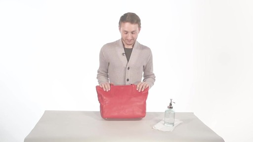 how to clean leather handbag