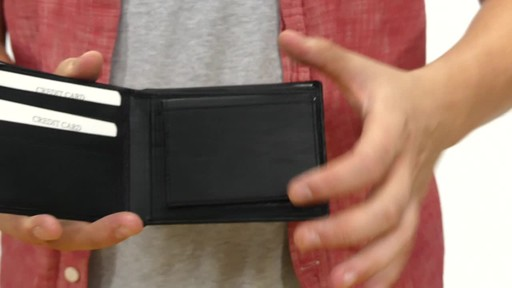 Suvelle Mens Slim Bifold Wallet - image 5 from the video