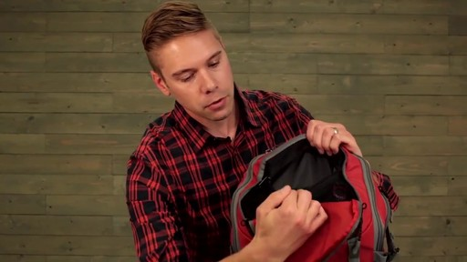 Eagle Creek Systems Go Duffel Pack - image 8 from the video