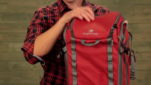 Eagle Creek Systems Go Duffel Pack - image 9 from the video