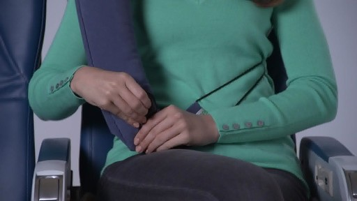 Travelrest Ultimate Travel Pillow - image 9 from the video