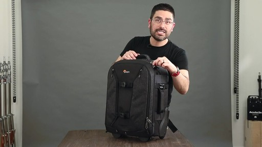 Lowepro Pro Runner RL x450 AW II Camera Case - image 10 from the video