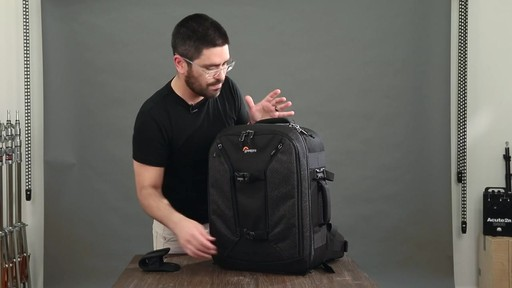 Lowepro Pro Runner RL x450 AW II Camera Case - image 5 from the video