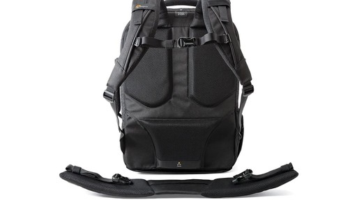 Lowepro Pro Runner RL x450 AW II Camera Case - image 7 from the video