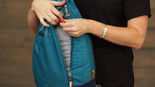 Eagle Creek Tablet Sling Daypack RFID - image 5 from the video