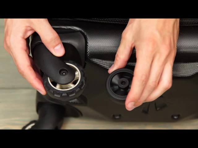 Eagle Creek Flyte AWD Spinner Collection - eBags.com - image 3 from the video