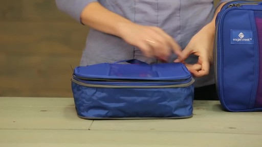 Eagle Creek Pack-It Original 2-Piece Compression Cube Set - image 4 from the video