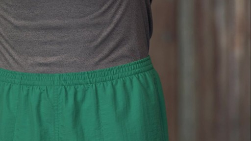 Patagonia Mens Baggies Long Shorts - 7 in - image 5 from the video