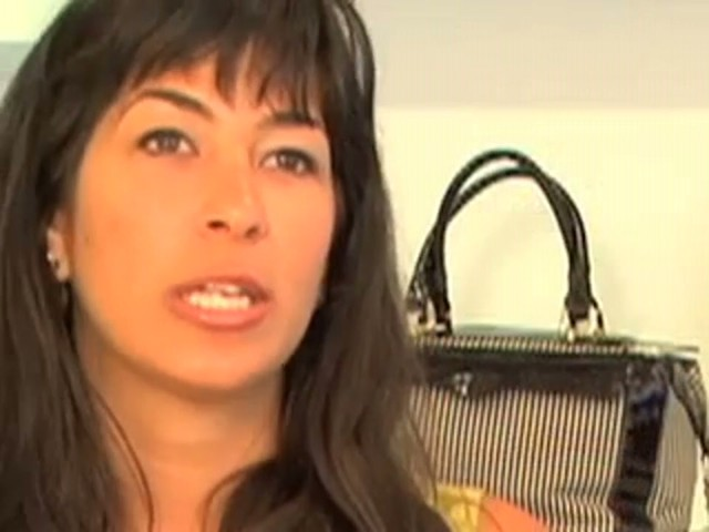 Interview with Rebecca Minkoff - image 5 from the video