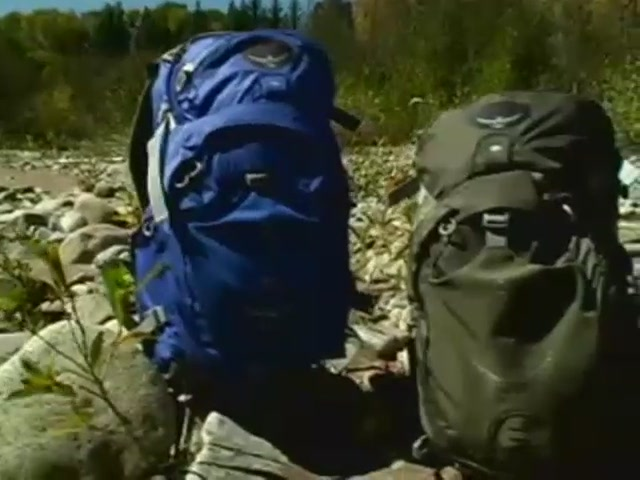 Osprey Manta Hydration Packs - image 7 from the video