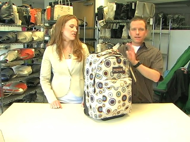 JanSport Wheeled SuperBreak - image 6 from the video