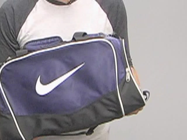 Nike Brasilia Duffel: One Minute Run Down - image 7 from the video