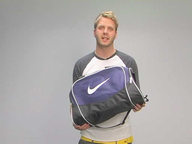 Nike Brasilia Duffel: One Minute Run Down - image 9 from the video