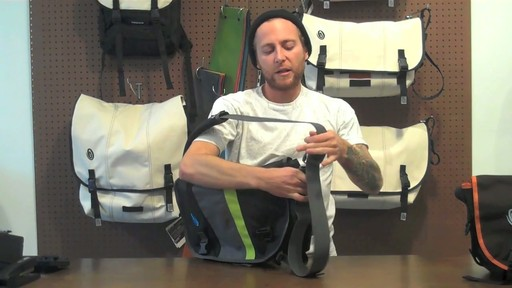 Timbuk2 D-lux Laptop Messenger Product Demo - image 5 from the video