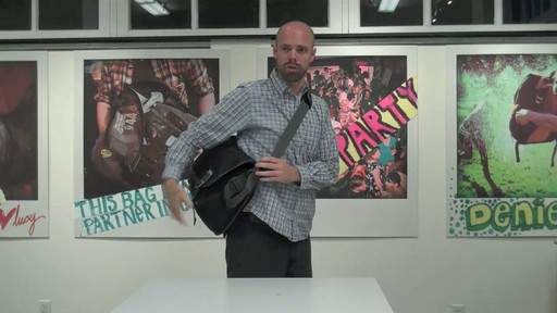 Timbuk2 Command Laptop Messenger Product Demo - image 2 from the video