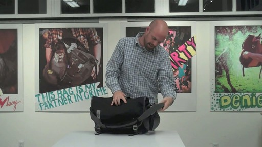 Timbuk2 Command Laptop Messenger Product Demo - image 4 from the video