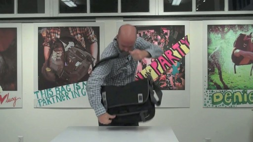 Timbuk2 Command Laptop Messenger Product Demo - image 7 from the video