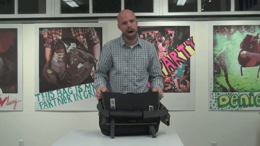 Timbuk2 Command Laptop Messenger Product Demo - image 9 from the video