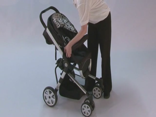 Baby Weavers Verso Complete Travel System Product Features  - image 4 from the video
