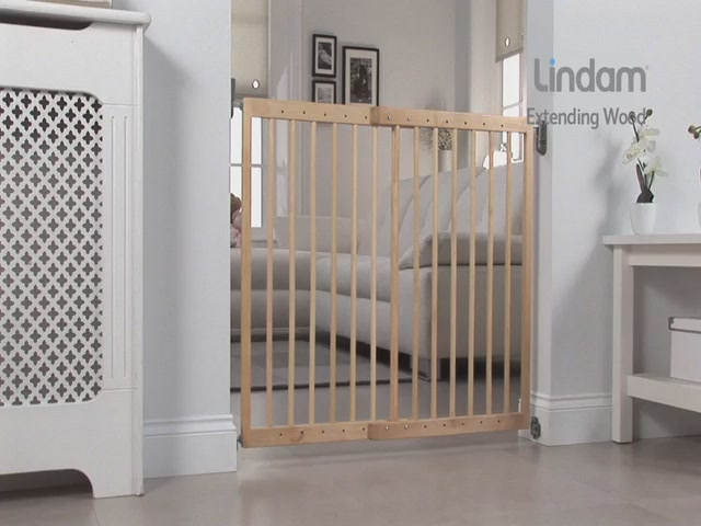 Lindam Extending Wooden Safety Gate - Kiddicare - image 4 from the video