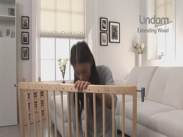 Lindam Extending Wooden Safety Gate - Kiddicare - image 5 from the video
