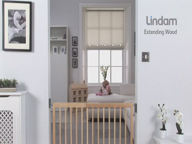 Lindam Extending Wooden Safety Gate - Kiddicare - image 9 from the video