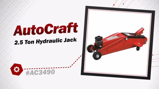 2.5 Ton Hydraulic Jack - image 3 from the video