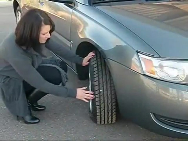 Victor Plug and Go - Easy Tire Repair to Keep You Moving 22-5-60204-8 - image 3 from the video