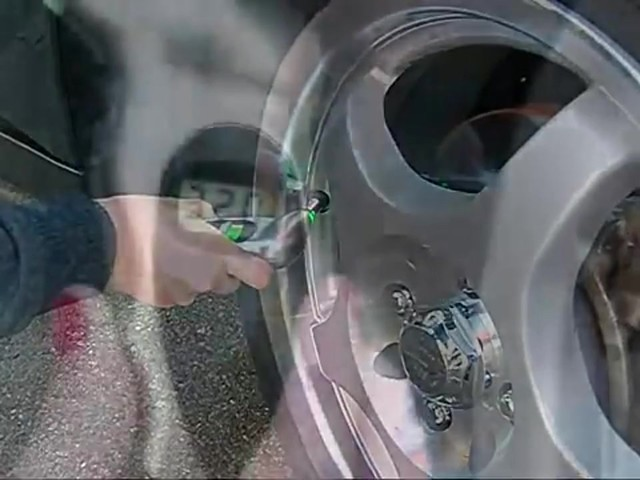Victor Plug and Go - Easy Tire Repair to Keep You Moving 22-5-60204-8 - image 9 from the video