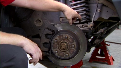 Replacing disc brakes - image 1 from the video