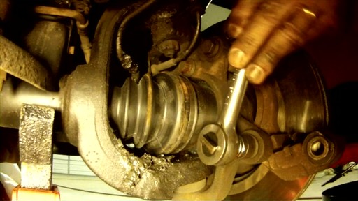 Replacing disc brakes - image 4 from the video