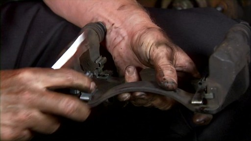 Replacing disc brakes - image 6 from the video