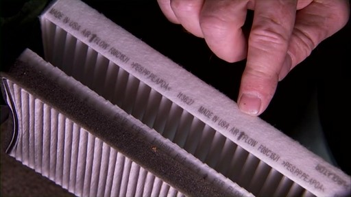 Changing a cabin air filter - image 7 from the video