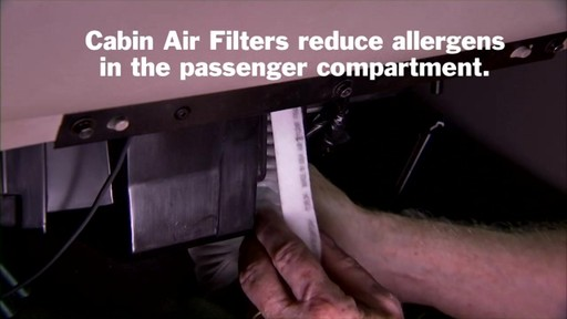 Changing a cabin air filter - image 8 from the video